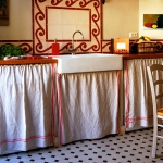draperies-in-vintage-kitchen1.jpg