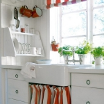 draperies-in-vintage-kitchen10.jpg