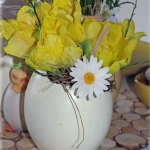 easter-chickens-table-setting-flowers2.jpg
