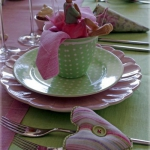 easter-rose-and-green-table-setting-plates4.jpg