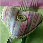 easter-rose-and-green-table-setting-decor1.jpg