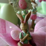 easter-rose-and-green-table-setting-bunnies3.jpg