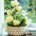easy-creative-diy-floral-arrangement1-2.jpg