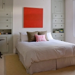 english-homes-in-bright-accents1-11.jpg