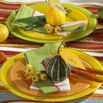 fall-table-setting-in-harvest-theme-on-plate2.jpg