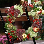 fall-table-setting-in-harvest-theme-chair-decorating1.jpg