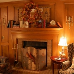 fireplace-mantel-fall-decorating1.jpg