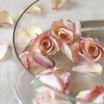 floral-arrangement-of-burgeons-and-petals2-1.jpg
