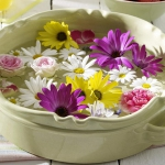 floral-arrangement-of-burgeons-and-petals3-3.jpg