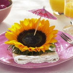 floral-arrangement-of-burgeons-and-petals3-5.jpg