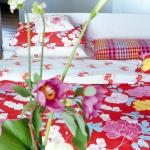 flowers-pattern-textile-bedding1.jpg
