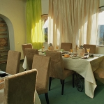 french-hotel-saint-hilaire-dining1.jpg