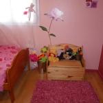 french-kidsroom-in-bright-color6-2.jpg