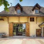 french-retro-homes-in-warm-palettes1-2.jpg