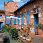 french-retro-homes-in-warm-palettes2-2.jpg