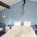 french-women-bedroom-creative4.jpg