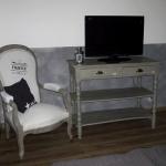 french-women-bedroom-creative13-2.jpg