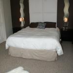 french-women-bedroom-creative17-1.jpg