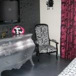 french-women-bedroom-creative18-3.jpg