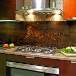 glass-photo-panel-for-kitchen1-9.jpg