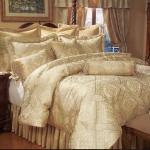 golden-trend-decorating-bedding11.jpg