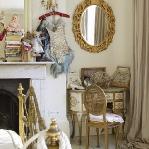 golden-trend-decorating-in-style-bedroom2.jpg