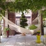 hammock-in-garden4-2.jpg