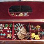 how-to-organize-jewelry-gift-box3.jpg