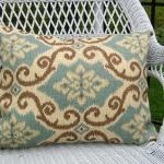 ikat-trend-design-ideas-cushions2.jpg