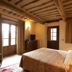 italian-traditional-bedrooms-color1-1.jpg