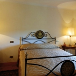 italian-traditional-bedrooms-details1-2.jpg