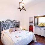 italian-traditional-bedrooms-details1-7.jpg