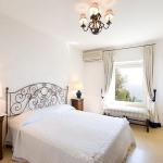 italian-traditional-bedrooms-details1-9.jpg