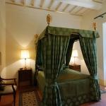 italian-traditional-bedrooms-details2-9.jpg