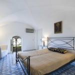 italian-villas-with-feminine-names2-7.jpg