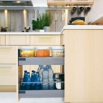 kitchen-storage-solutions-pull-out3-2.jpg