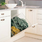kitchen-storage-solutions-pull-out8-3.jpg