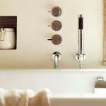 lara-francis-design-bathroom-neutral1-3.jpg