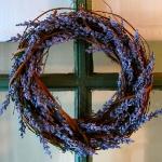 lavender-home-decorating-ideas-wreath2.jpg