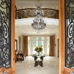 master-luxury-details-phyllis-entry4.jpg