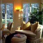 master-luxury-details-phyllis-familyroom8.jpg
