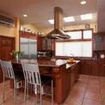 master-luxury-details-phyllis-kitchen6.jpg