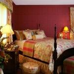 master-luxury-details-phyllis-bedroom4.jpg