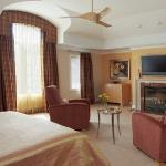 master-luxury-details-phyllis-bedroom6.jpg