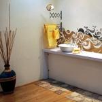 mirror-effect-stickers-design-ideas-in-kitchen2.jpg