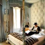 mirrored-furniture-bed4.jpg