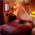 moroccan-theme-in-bedroom1-12.jpg