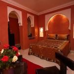 moroccan-theme-in-bedroom1-2.jpg