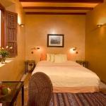moroccan-theme-in-bedroom1-4.jpg