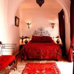 moroccan-theme-in-bedroom1-7.jpg